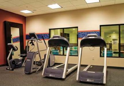 The fitness center and/or fitness facilities at Hampton Inn Orange City
