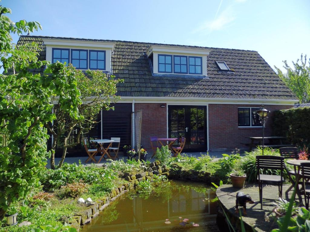 Bed And Breakfasts In Finkum