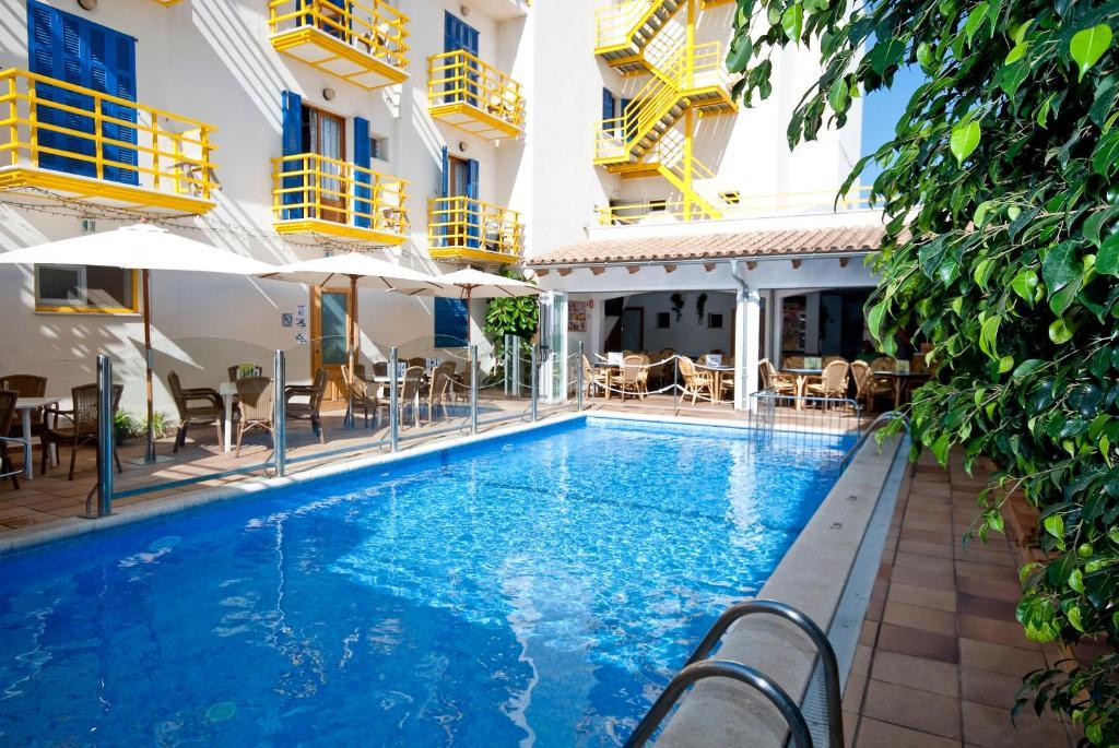 The swimming pool at or near Bellavista Hotel & Spa