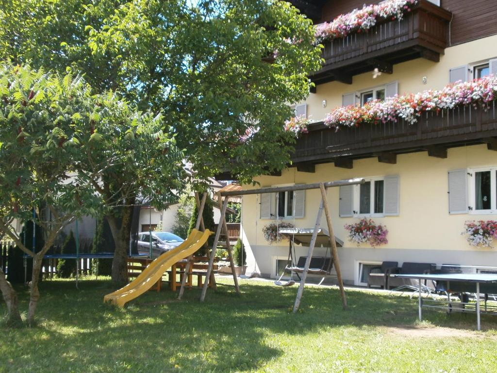 Pension Garni Hattlerhof Brunico, Italy