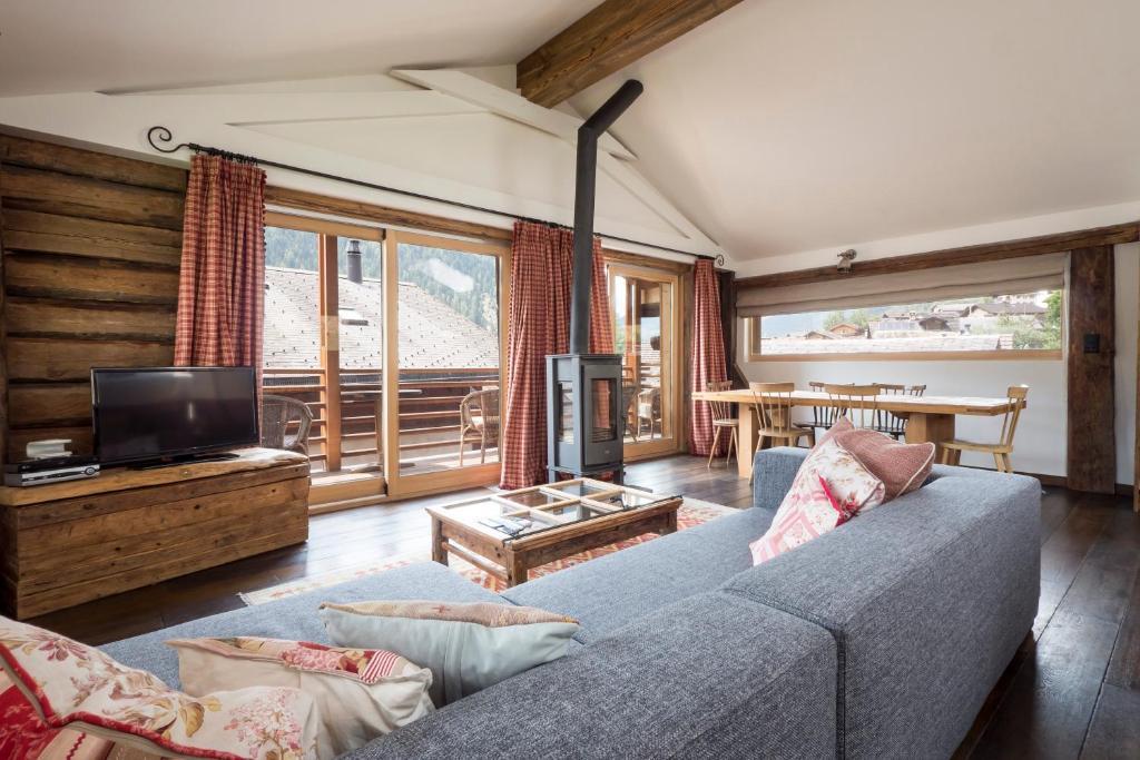 Ein Sitzbereich in der Unterkunft La Ruinette - Lyngen Apartments