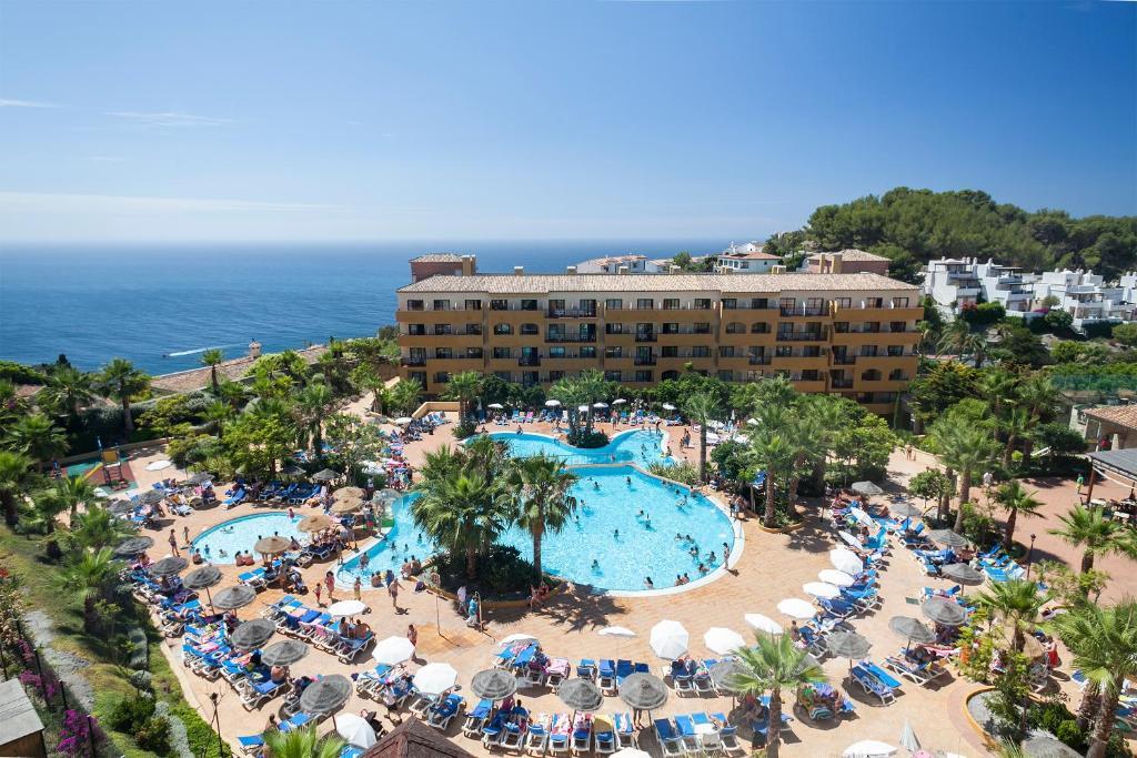 Een luchtfoto van Hotel Best Alcazar