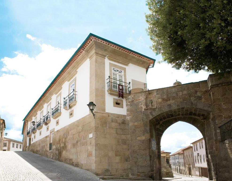 Montebelo Palácio dos Melos Viseu Historic Hotel
