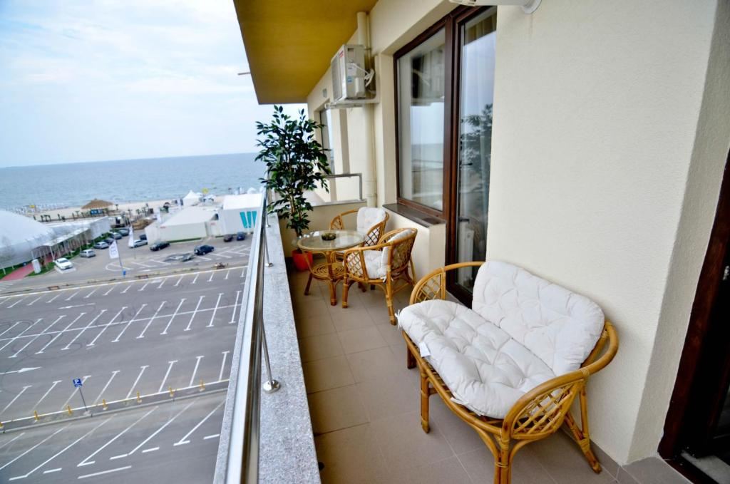 Un balcon sau o terasă la Summerland New York Exclusive Apartment - Mamaia