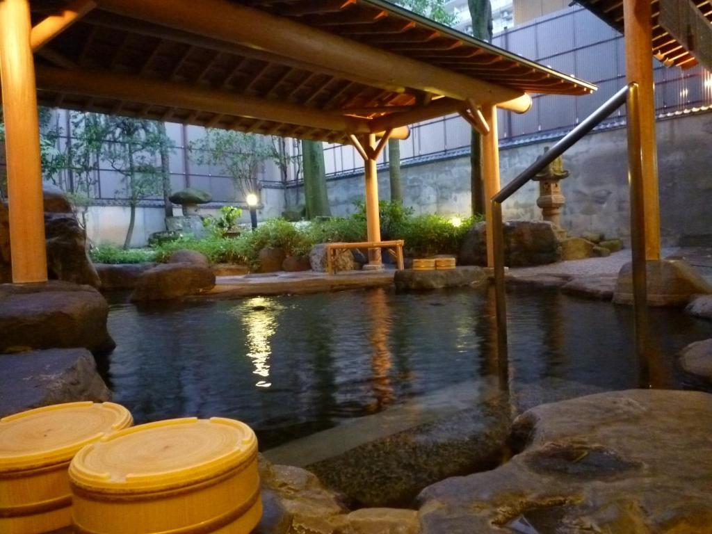 The swimming pool at or near Yudanaka Tawaraya Ryokan