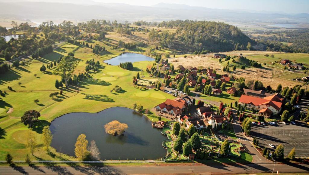 A bird's-eye view of Aspect Tamar Valley Resort