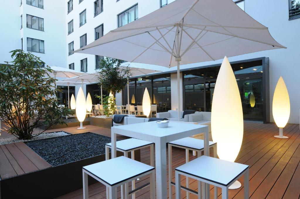 Een restaurant of ander eetgelegenheid bij SANA Berlin Hotel