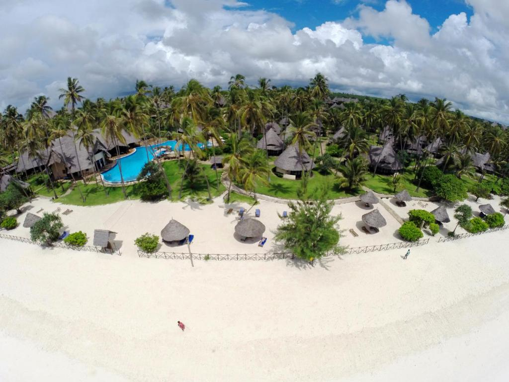 A bird's-eye view of Ocean Paradise Resort & Spa