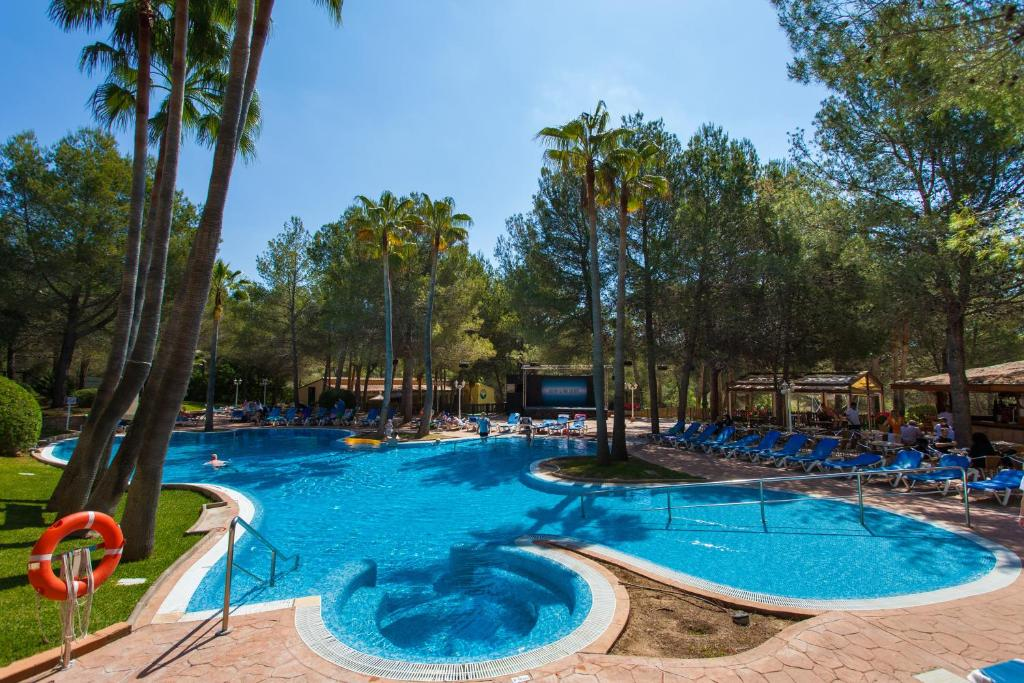 The swimming pool at or near Valentin Park Club Hotel