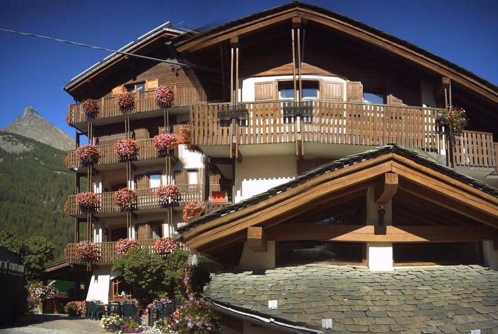 Hotel Vallee De Cogne Cogne Prezzi Aggiornati Per Il 2021