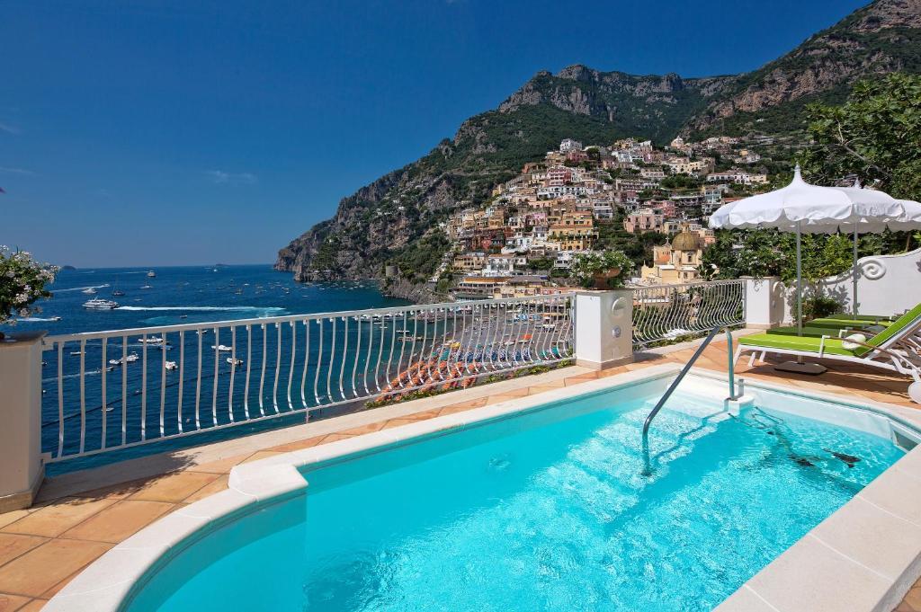 Piscina di Villa Boheme Exclusive Luxury Suites o nelle vicinanze