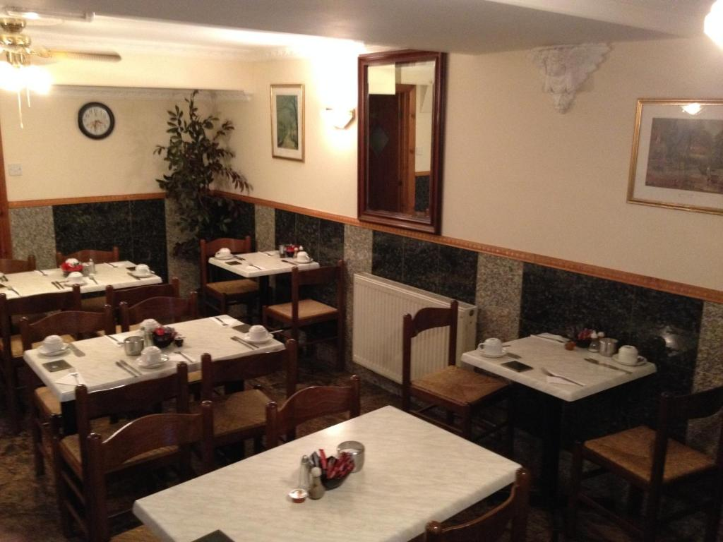 A restaurant or other place to eat at Seven Dials Hotel