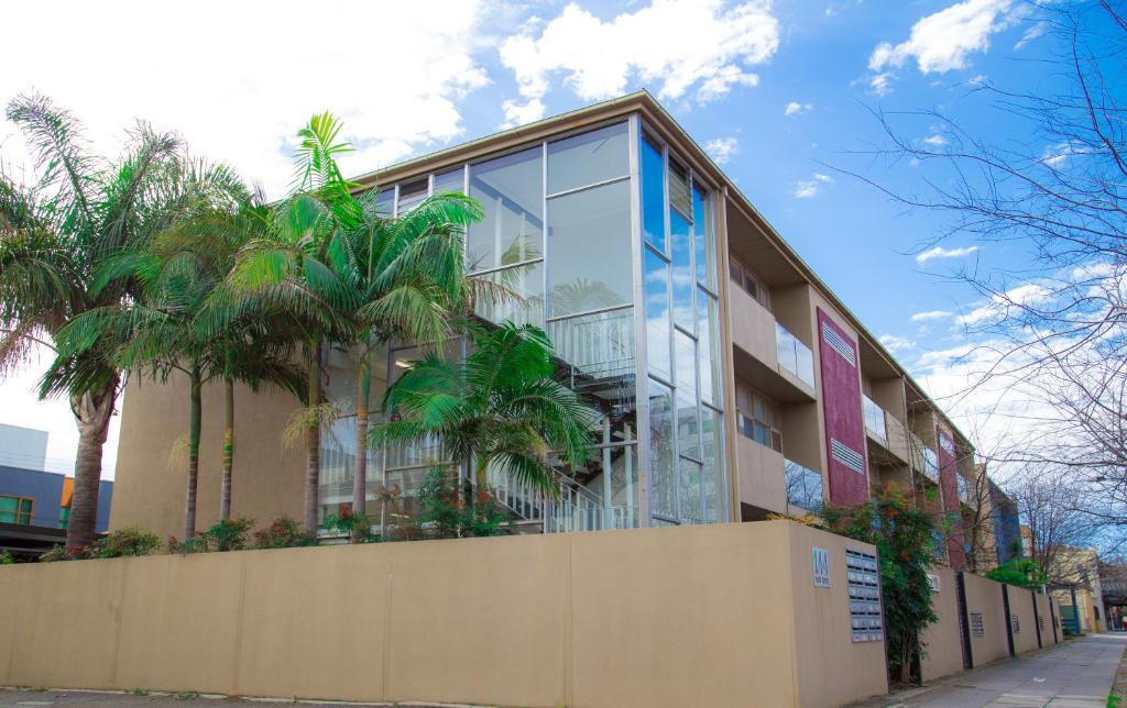 Adelaide DressCircle Apartment - Ward St - Laterooms