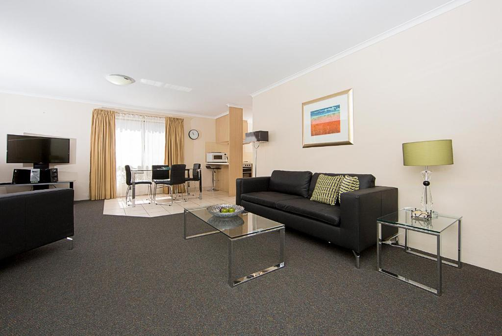 A seating area at Accommodate Canberra - Kingston Court