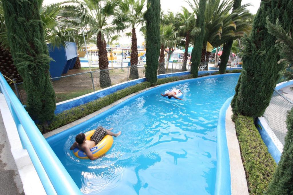 The Hotel Splash Inn.