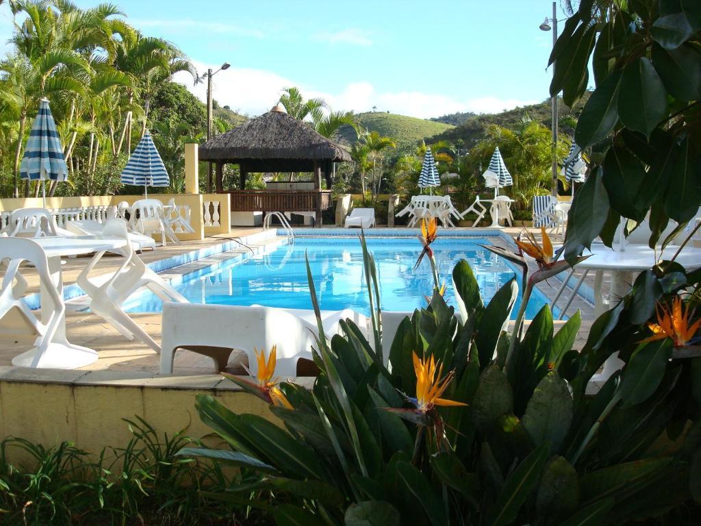 A piscina localizada em Vale do Sonho Hotel ou nos arredores