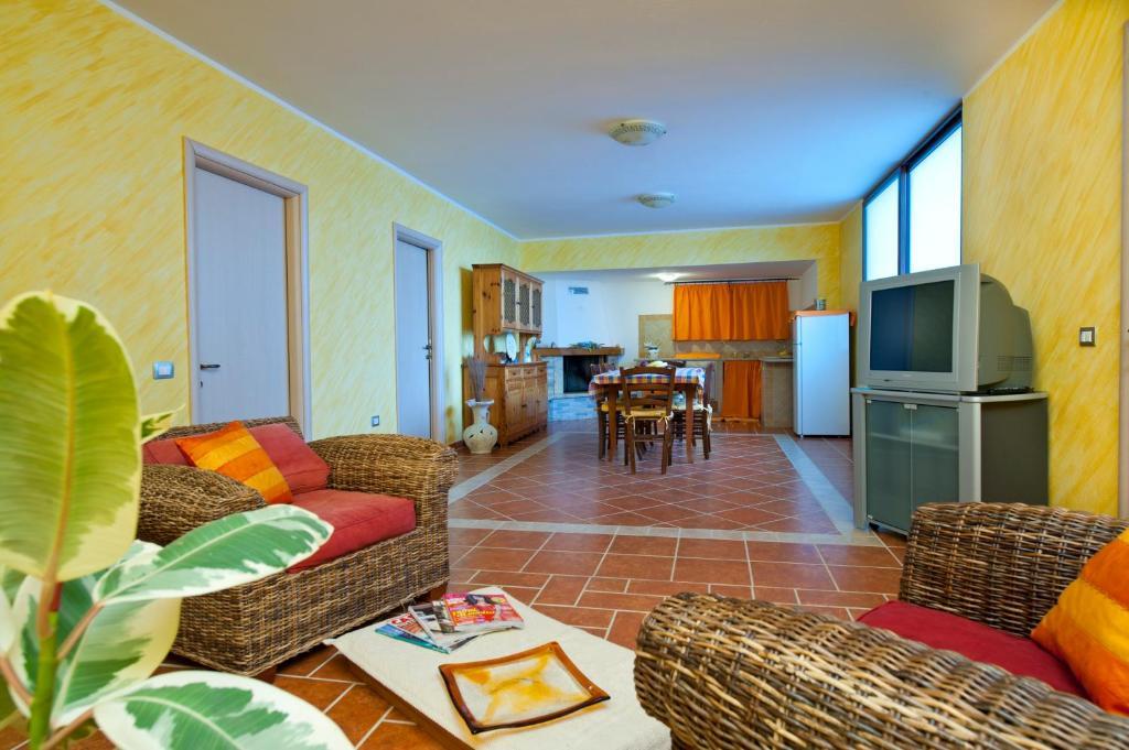 A seating area at Appartamento Anna Natura e Relax