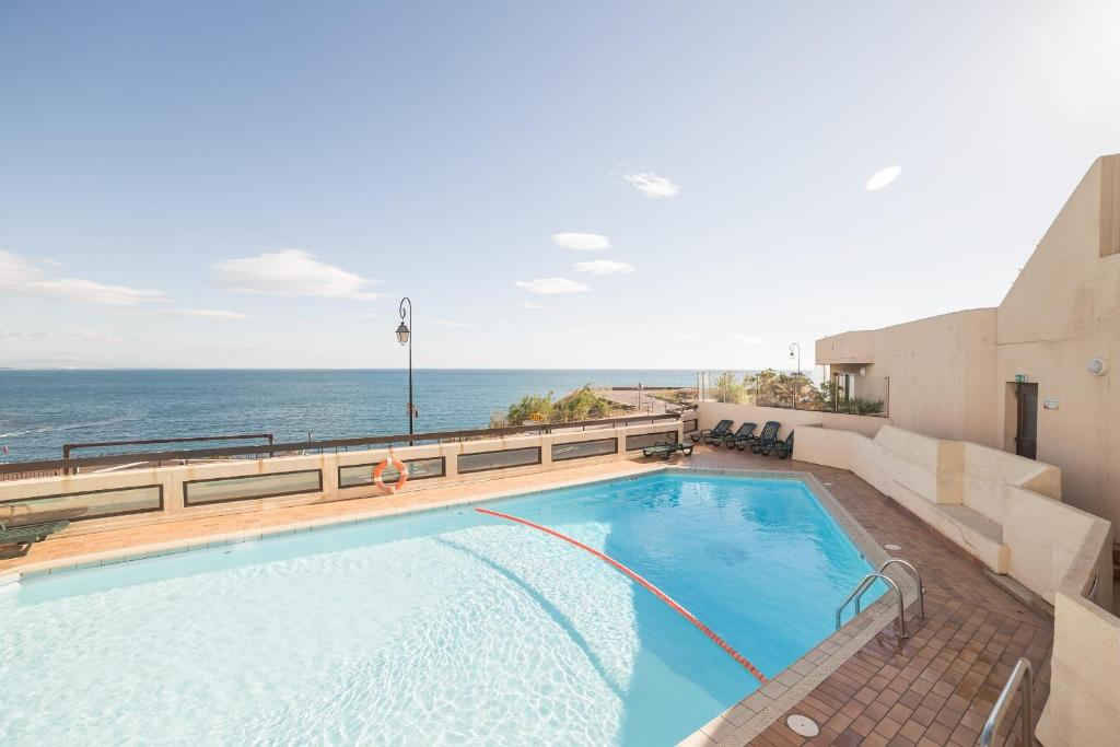 The swimming pool at or close to Residence Pierre & Vacances Les Balcons de Collioure