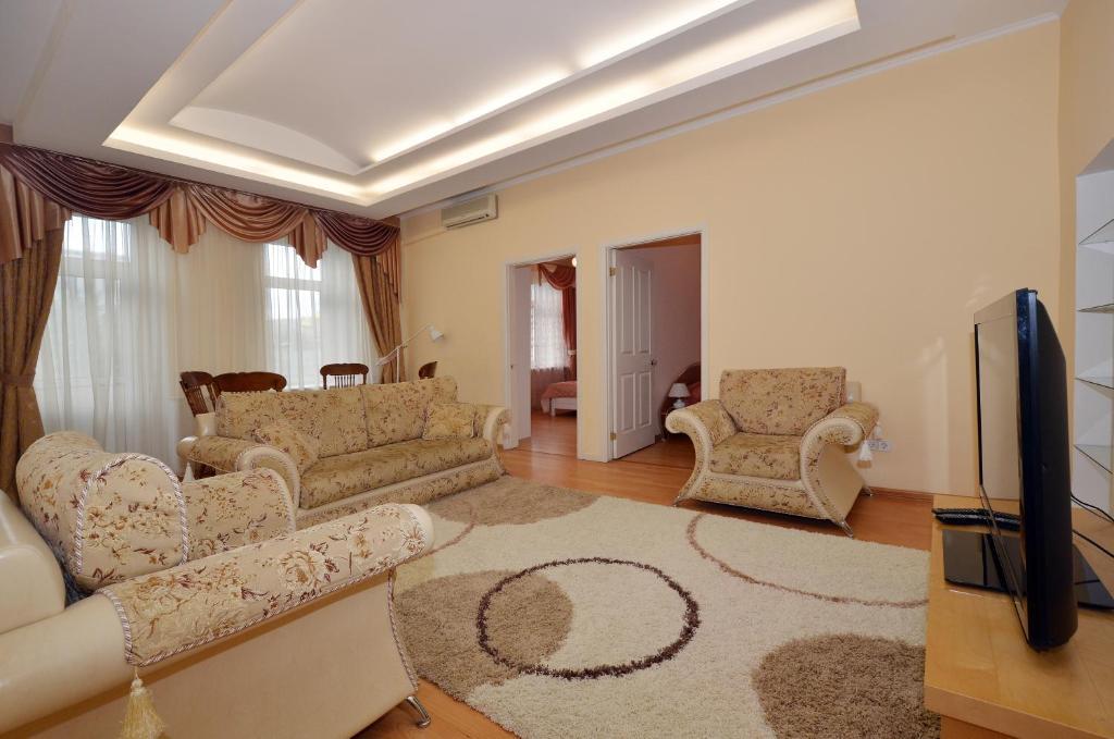 A seating area at Nice Flats Smolenskaya