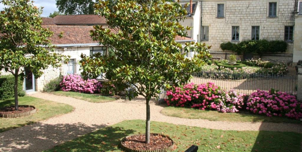 A garden outside Château de Bournand B&B