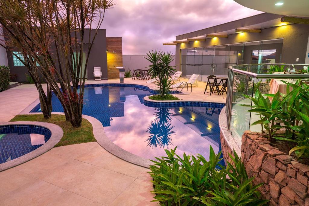 Бассейн в Hotel Porto Napolis или поблизости