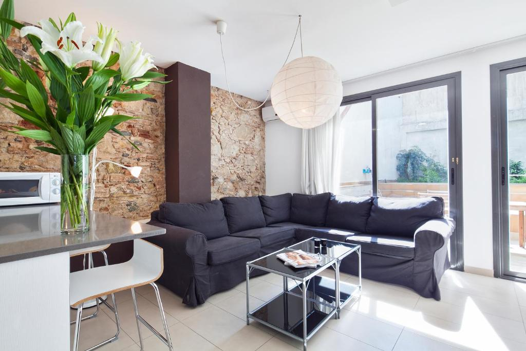 A seating area at Inside Barcelona Apartments Sants