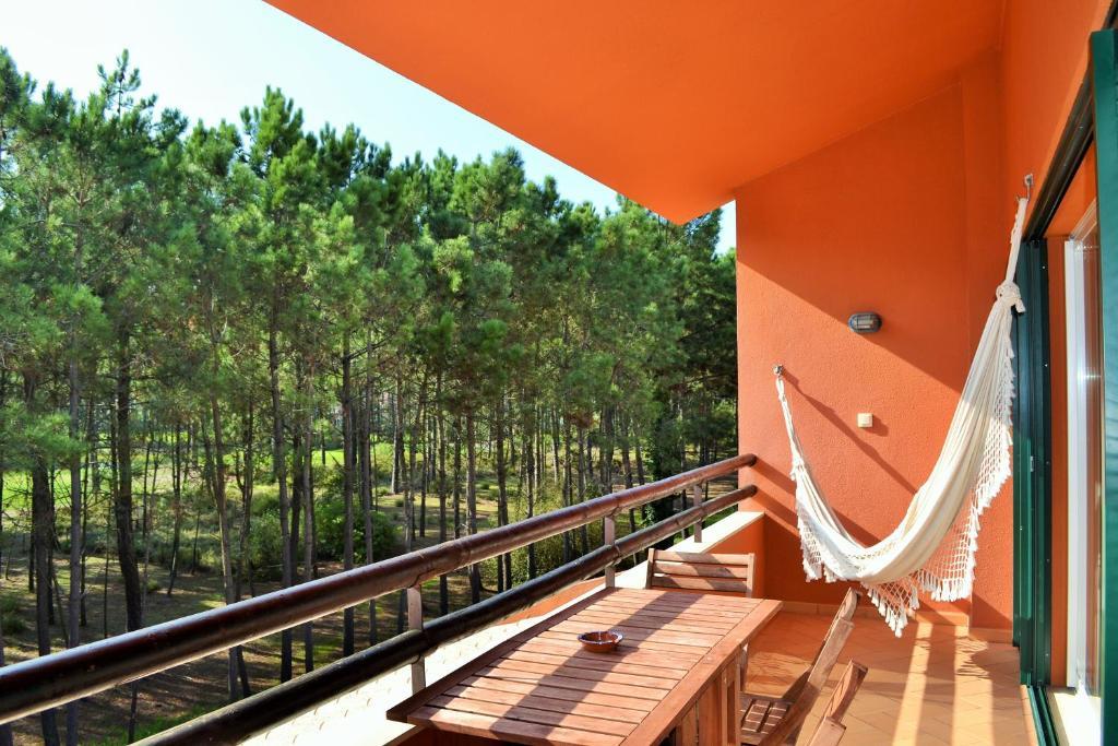 A balcony or terrace at Apartamento Golf Resort