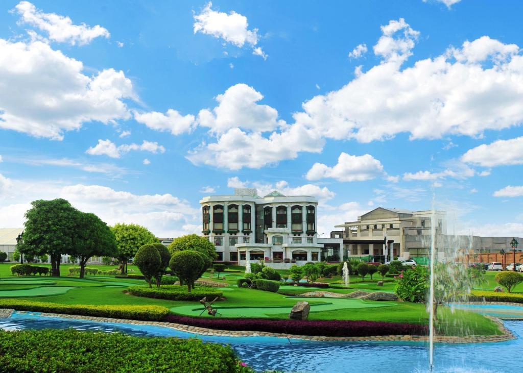 Bahria Grand Hotel, Lahore International Airport