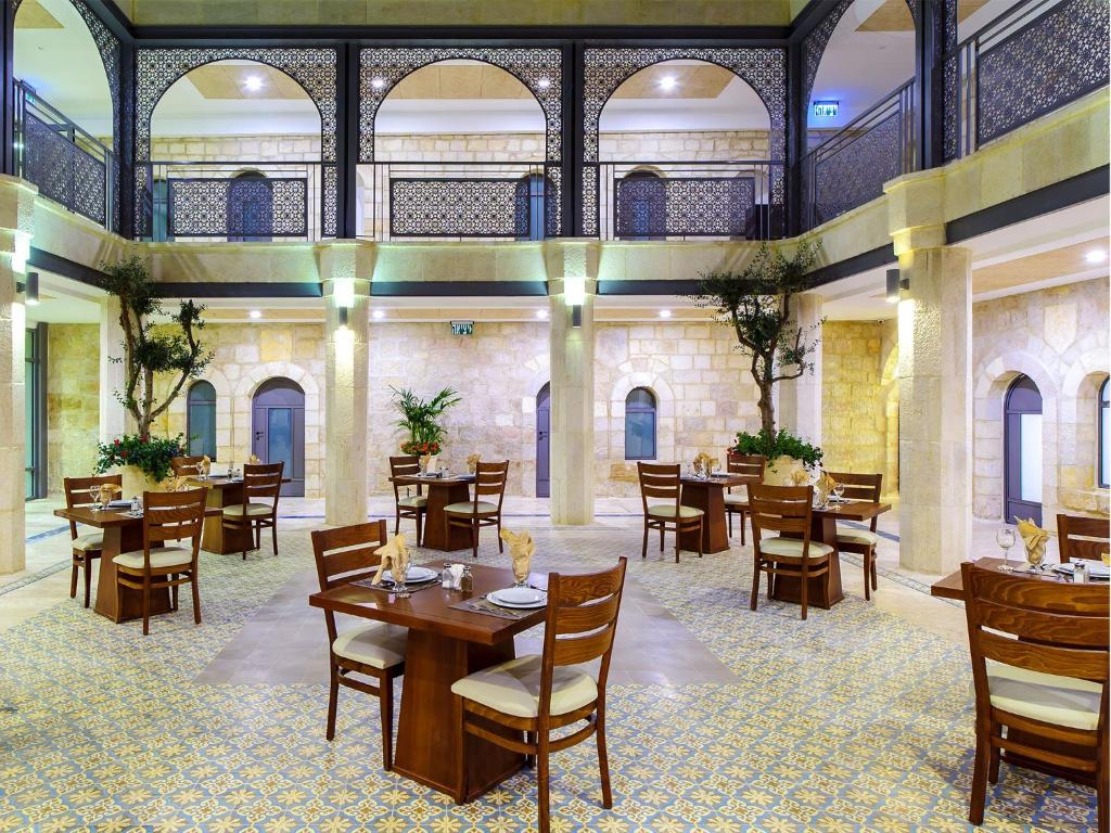 A restaurant or other place to eat at The Sephardic House Hotel in The Jewish Quarter