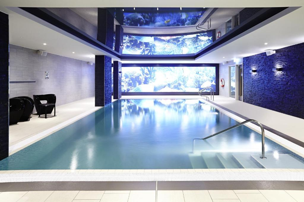 The swimming pool at or near Novotel London Brentford
