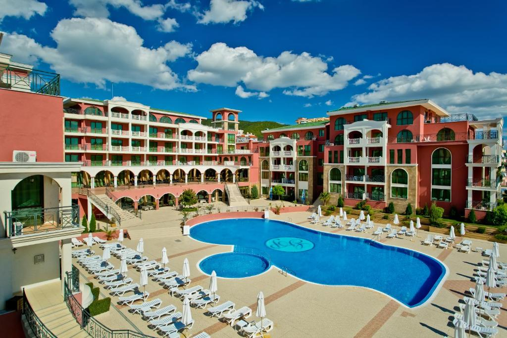 A view of the pool at Saint George Palace Hotel or nearby
