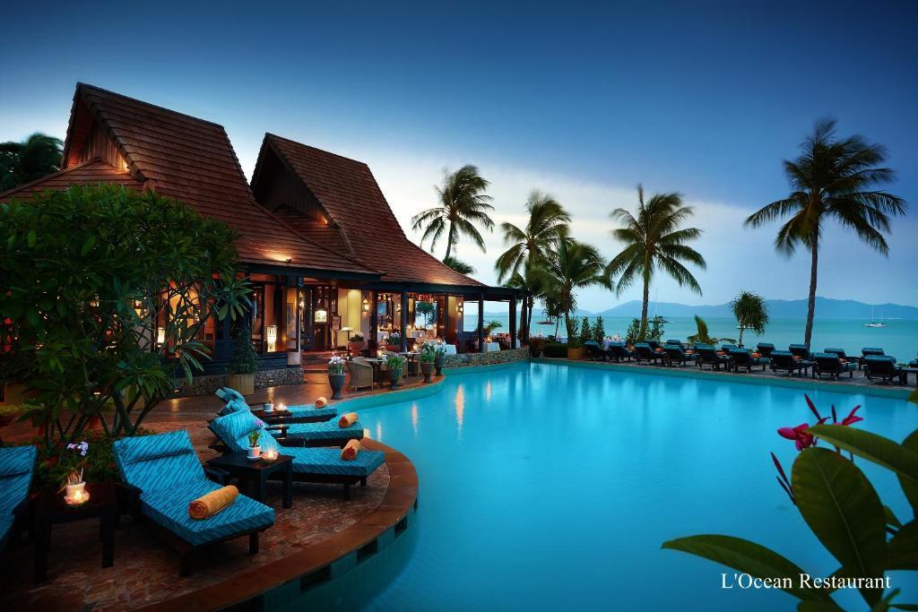 Бассейн в Bo Phut Resort and Spa или поблизости