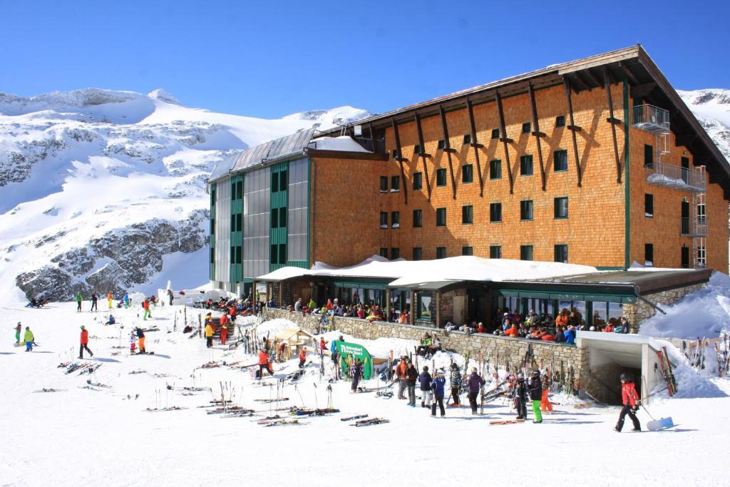 Berghotel Rudolfshütte im Winter