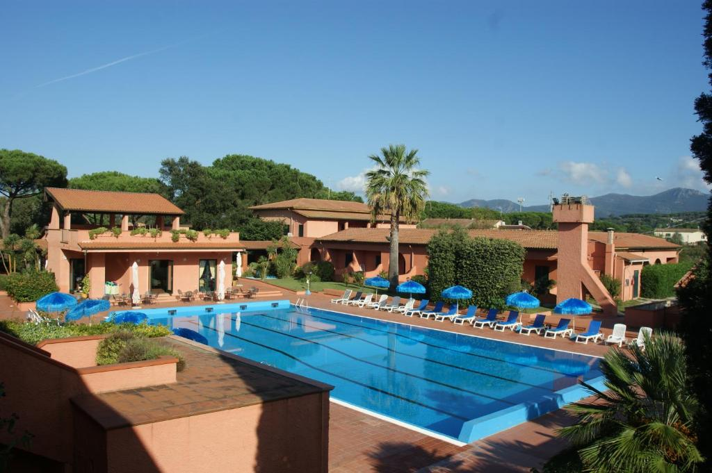 The swimming pool at or near Hotel Residence Villa San Giovanni