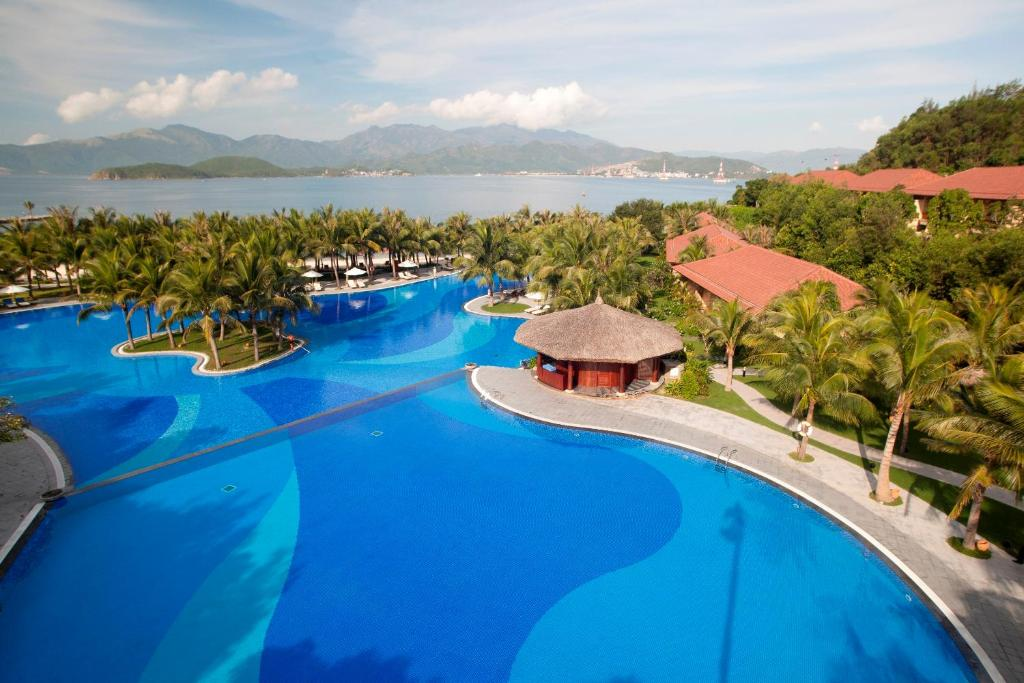 A view of the pool at Vinpearl Luxury Nha Trang or nearby