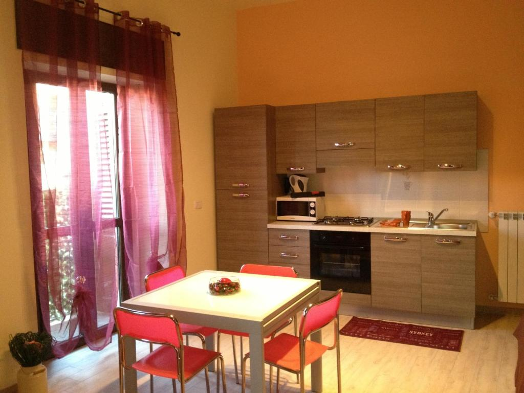 A kitchen or kitchenette at Living 88