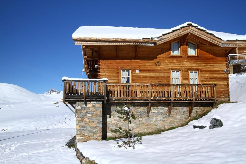 Odalys Chalet Melusine during the winter