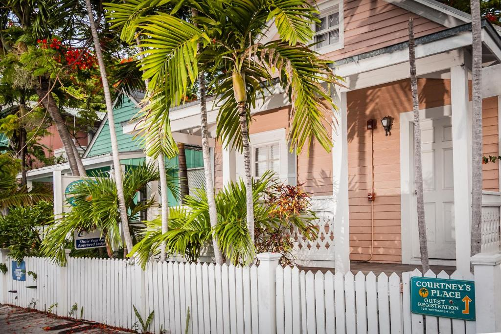 Courtney S Place Historic Cottages Inns Key West Updated 2021 Prices