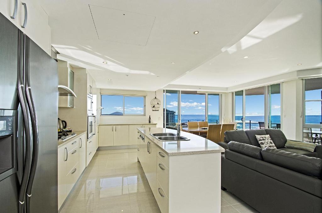 A kitchen or kitchenette at Aqua Vista Resort