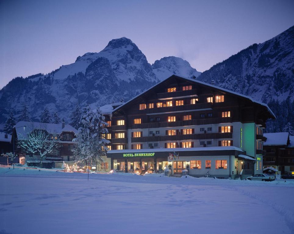 Bernerhof Swiss Quality Hotel im Winter