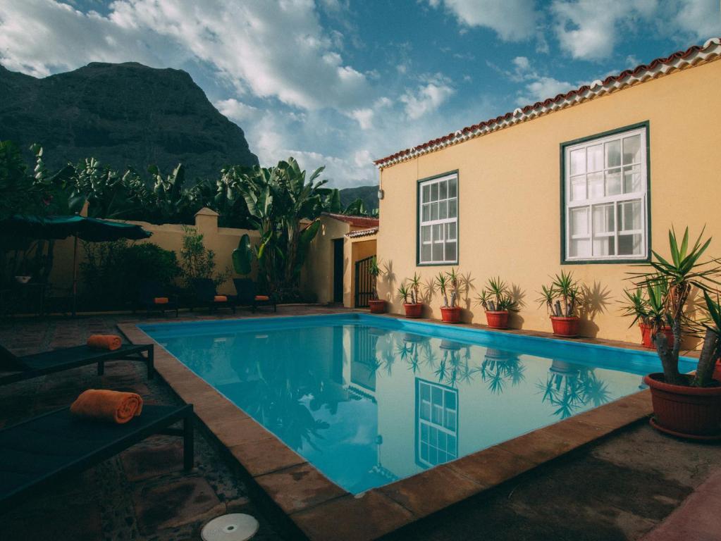 Piscina en o cerca de Hotel Rural La Casa Amarilla