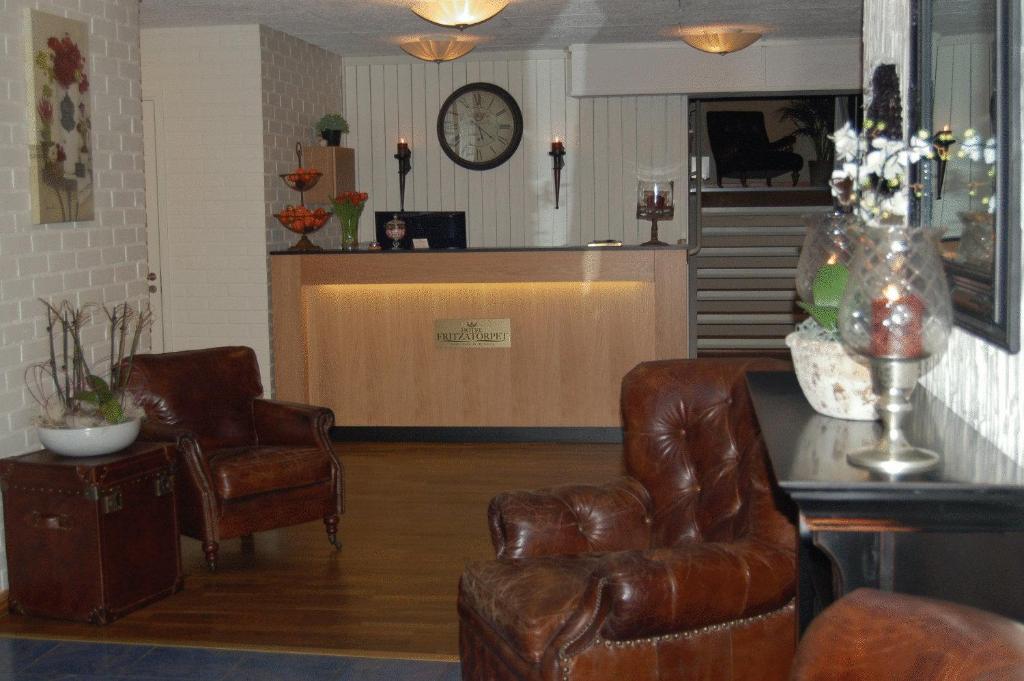 Lobbyn eller receptionsområdet på Hotel Fritzatorpet