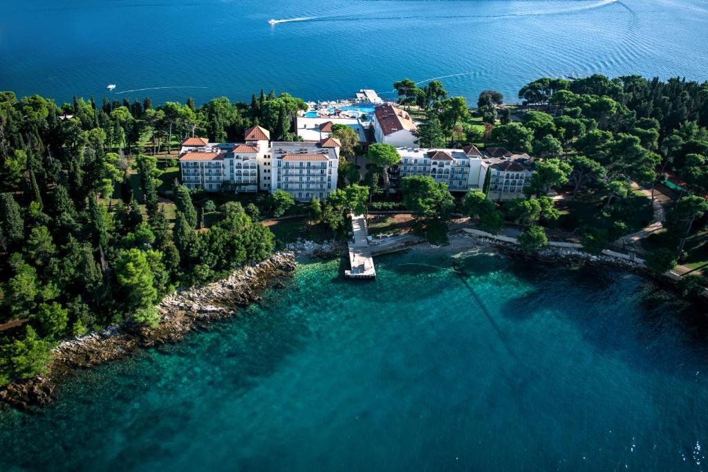 A bird's-eye view of Island Hotel Katarina