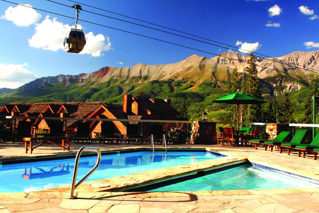 The swimming pool at or near Mountain Lodge at Telluride