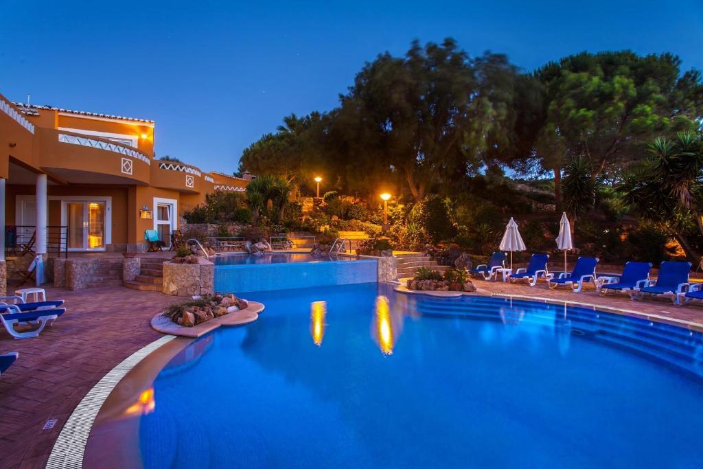 Montinho De Ouroの敷地内または近くにあるプール
