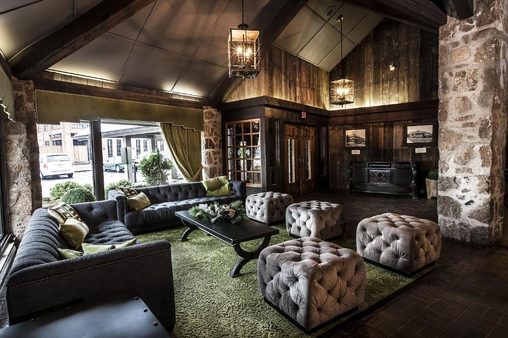 Coin salon dans l'établissement Old Stone Inn Boutique Hotel