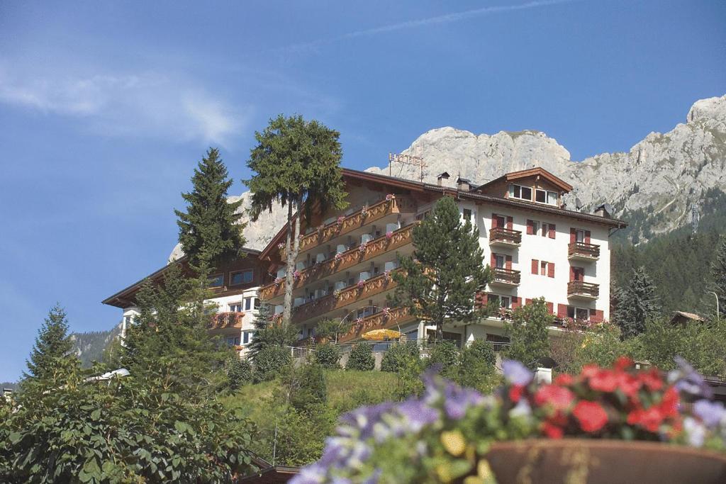 Hotel Catinaccio Rosengarten Moena, Italy