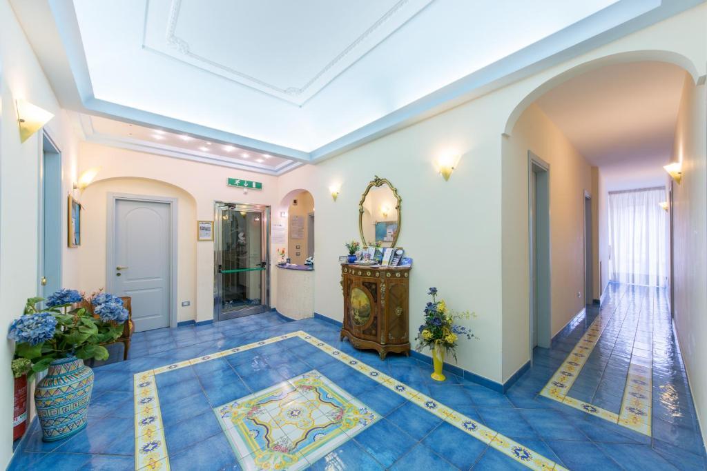 Hall o reception di B&B Meublè Casa Mannini