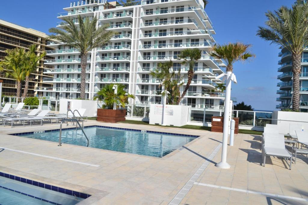 Grand Beach Hotel Surfside West Miami