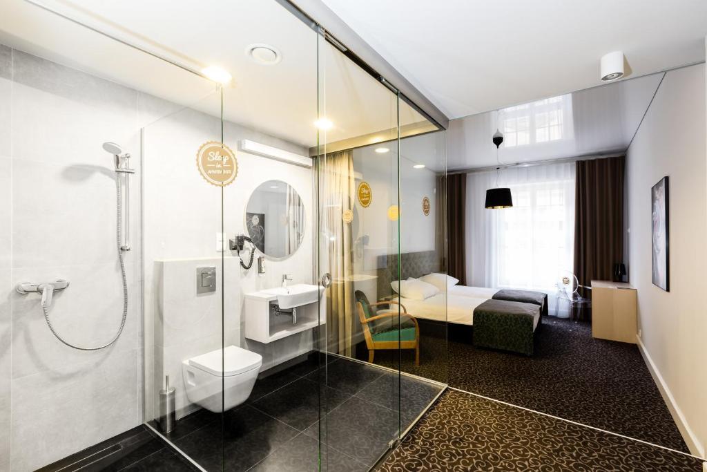 A bathroom at Sleep in Hostel & Apartments
